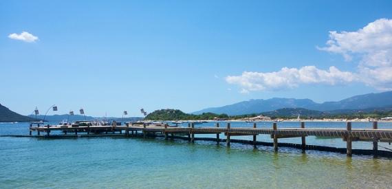 Der Strand von Cala Rossa