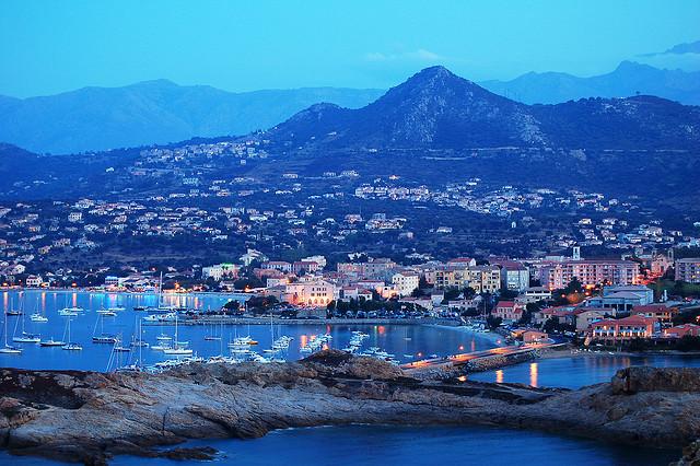 Sie fragen sich wie Korsika ist