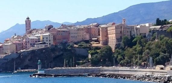 traghetti Corsica come risparmiare