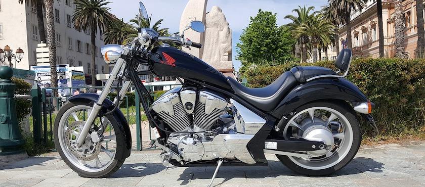 traghetti Corsica con moto